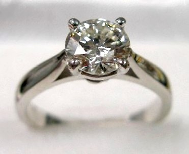 diamond engagement ring, cathedral solitaire at Rothsteins