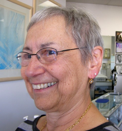 71 year old ges her 2nd holes pierced at Rothsteins